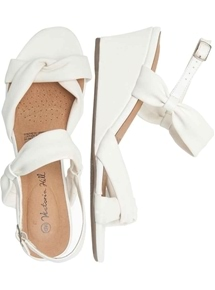 Nerissa Knot Wedge