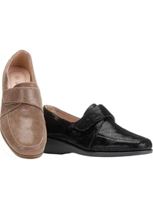 Touch Close Loafer